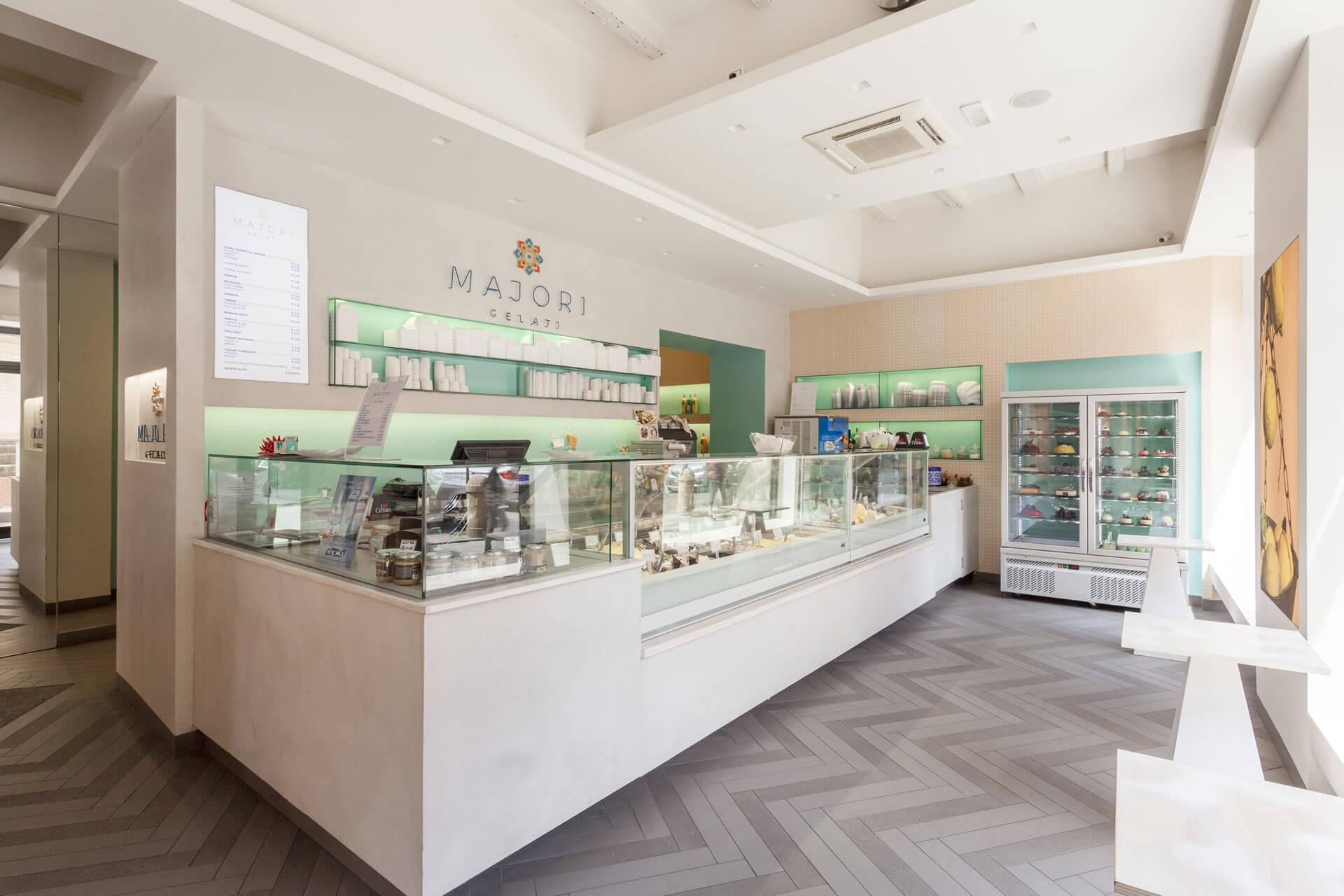 micaela-mazzoni-studio-interior-designer-bologna-progetti-commerciali-gallery-gelateria-majori-bologna-2