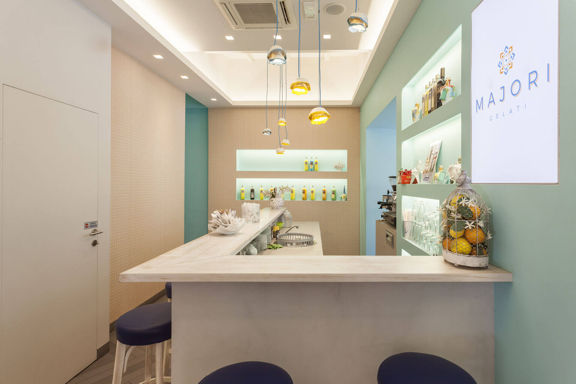 micaela-mazzoni-studio-interior-designer-bologna-progetti-commerciali-gallery-gelateria-majori-bologna-3