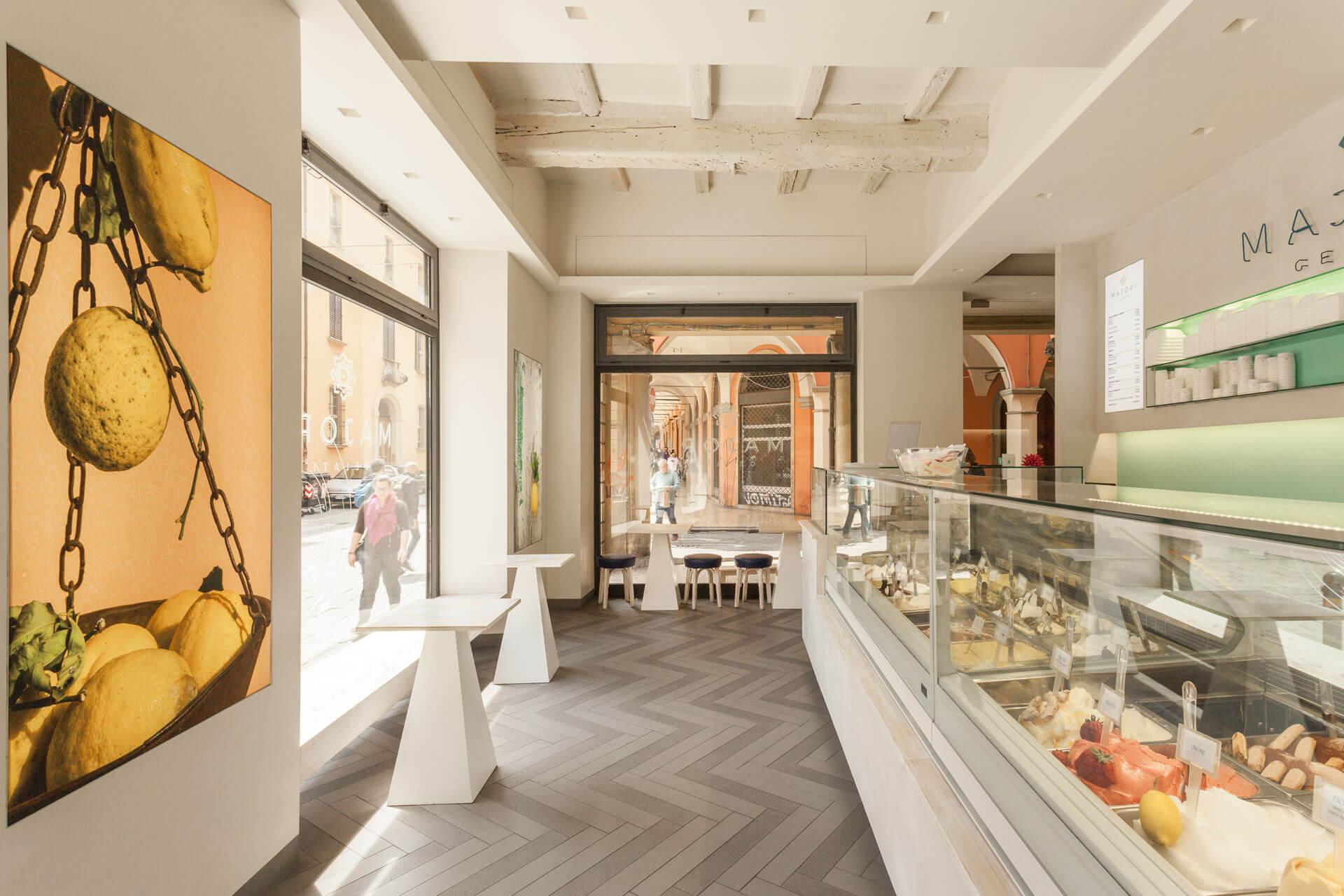 micaela-mazzoni-studio-interior-designer-bologna-progetti-commerciali-gallery-gelateria-majori-bologna