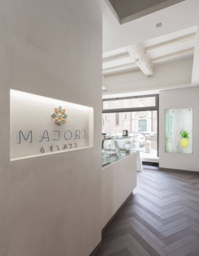 micaela-mazzoni-studio-interior-designer-bologna-progetti-commerciali-gallery-portrait-gelateria-majori-bologna-2