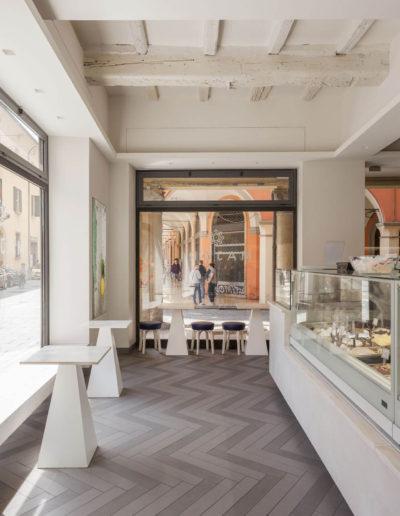 micaela-mazzoni-studio-interior-designer-bologna-progetti-commerciali-gallery-portrait-gelateria-majori-bologna