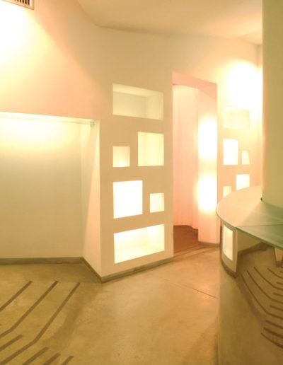 micaela-mazzoni-studio-interior-designer-bologna-progetti-commerciali-gallery-portrait-negozio-abbigliamento-via-san-felice-bologna-1